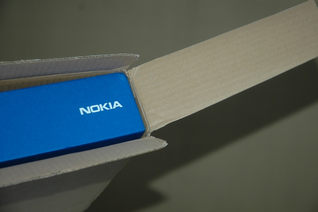 Nokia Booklet 3G arrives, intelligently-packed with pure awesomeness