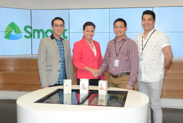 From left: Smart Head for Marketing Operations Joel Lumanlan; Smart Wireless Consumer Operations Head Kat Luna-Abelarde; Oppo Chief Operating Office Ananda Pan; and Oppo National Sales Manager Mark del Mundo