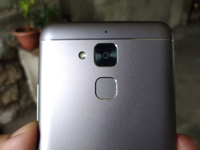 zf3m unit11 Custom - ASUS Zenfone 3 Max ZC520TL Review: Imperfect but satisfying