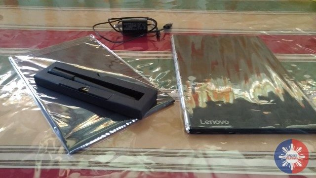 Lenovo Yoga Book (YB1-X91F) Review: Not Your Ordinary Transformer