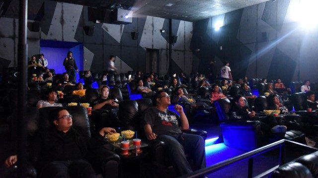 aoc king 03 640x359 - AOC Holds Advanced Screening of Kingsman: The Golden Circle