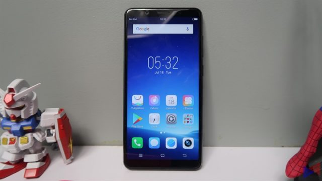 Vivo V7 Review: The Better Deal?