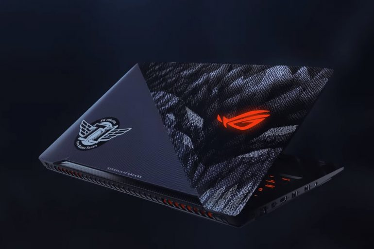 skt t1 laptop.0.png 770x513 - Biggest team of League of Legend partners with ASUS