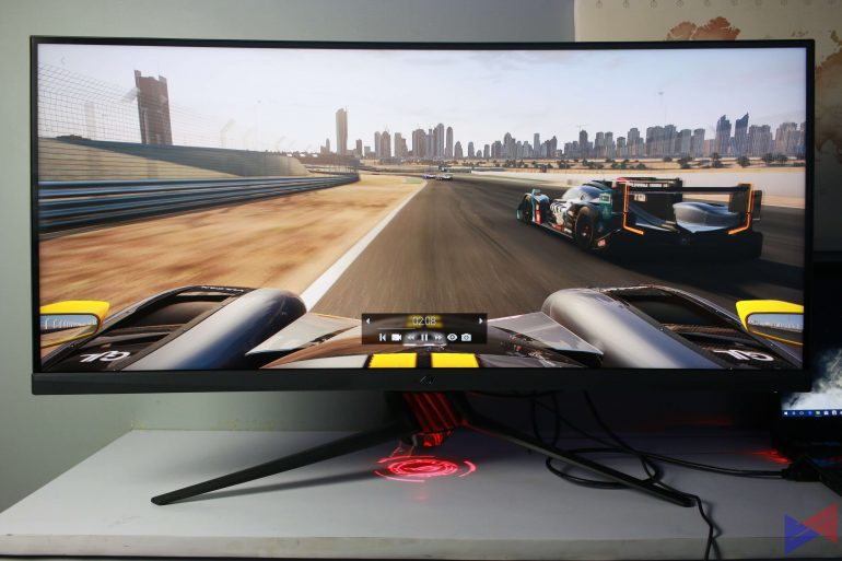xg35vq u 6 770x513 - ASUS ROG Strix XG35VQ Curved Gaming Monitor Review: Bigger and Better
