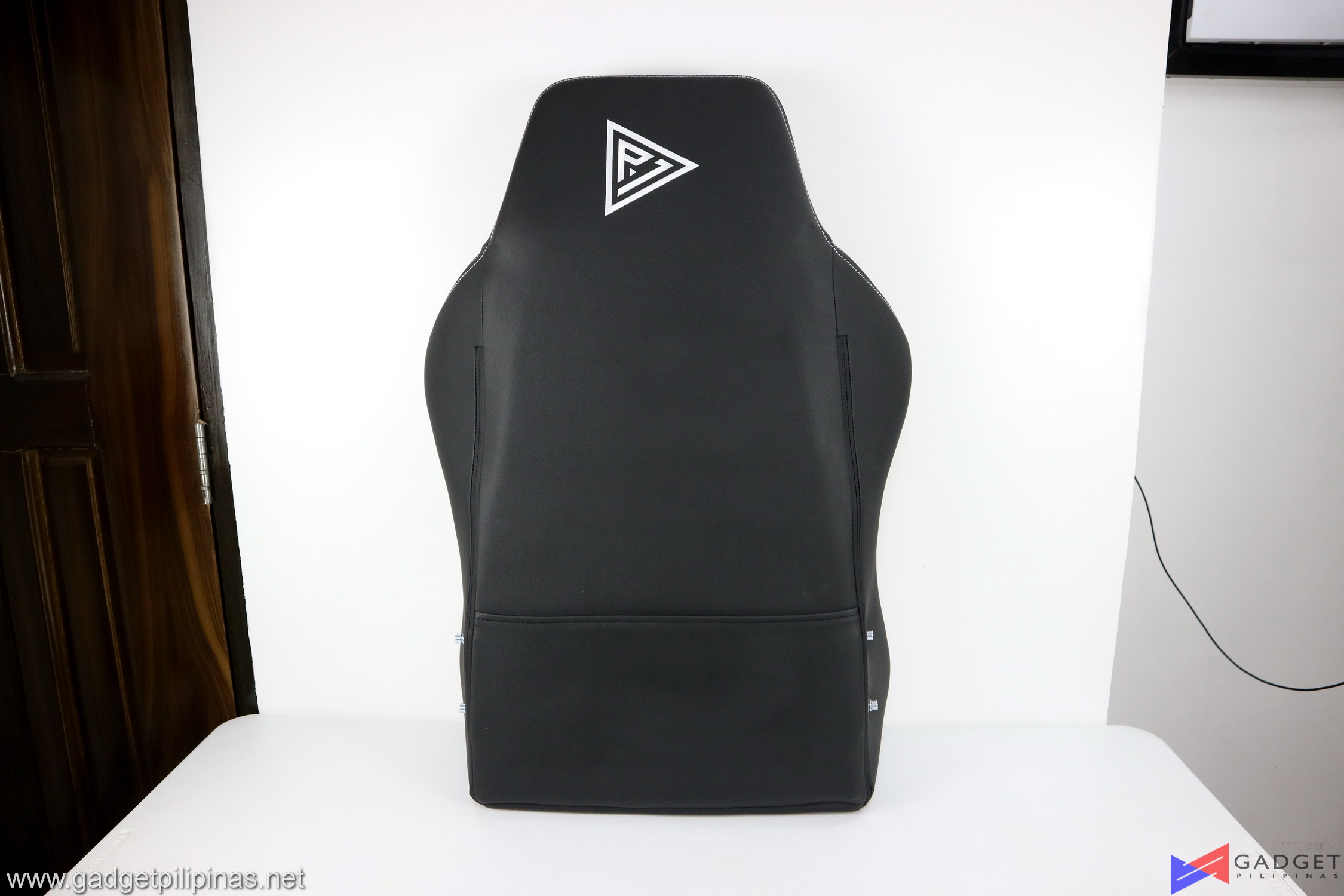 Player One Ghost v2 Gaming Chair Review 028
