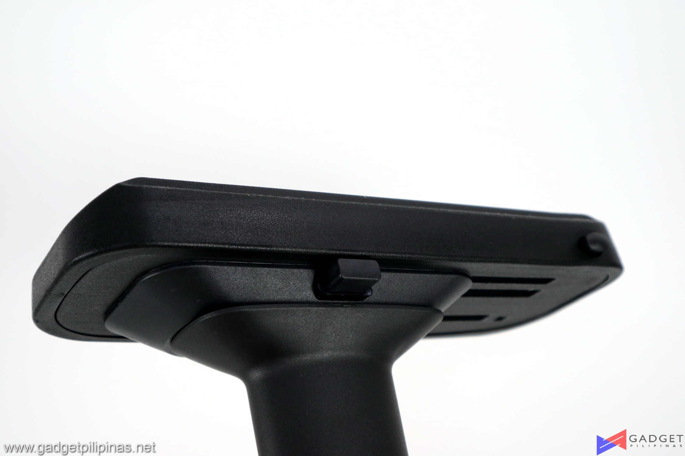 Player One Ghost v2 Gaming Chair Review 049